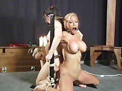 bondage video blonde muschi